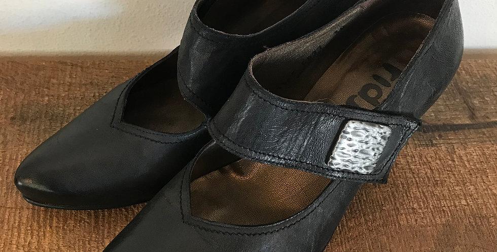 Fidji Mary Janes, Size 38 [7-7.5]