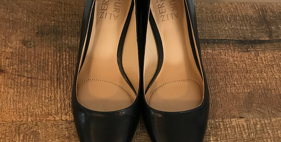 Naturalizer Kitten Heels, Size 6