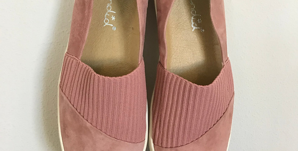 Splendid Suede Sneakers, Size 9