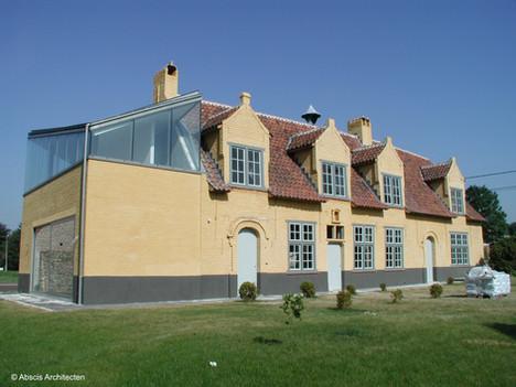 Little Grayhound  /  restauratie beschermd woonhuis