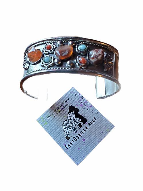 Fast Gorilla  Silver Tone Bracelet With Agates & Beads