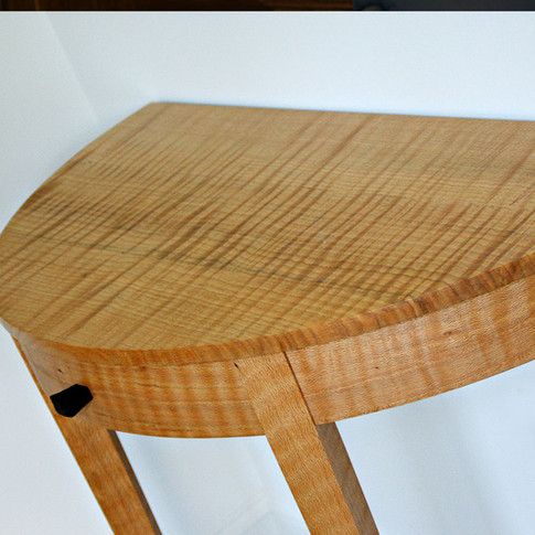 Curly Ash Entry Table