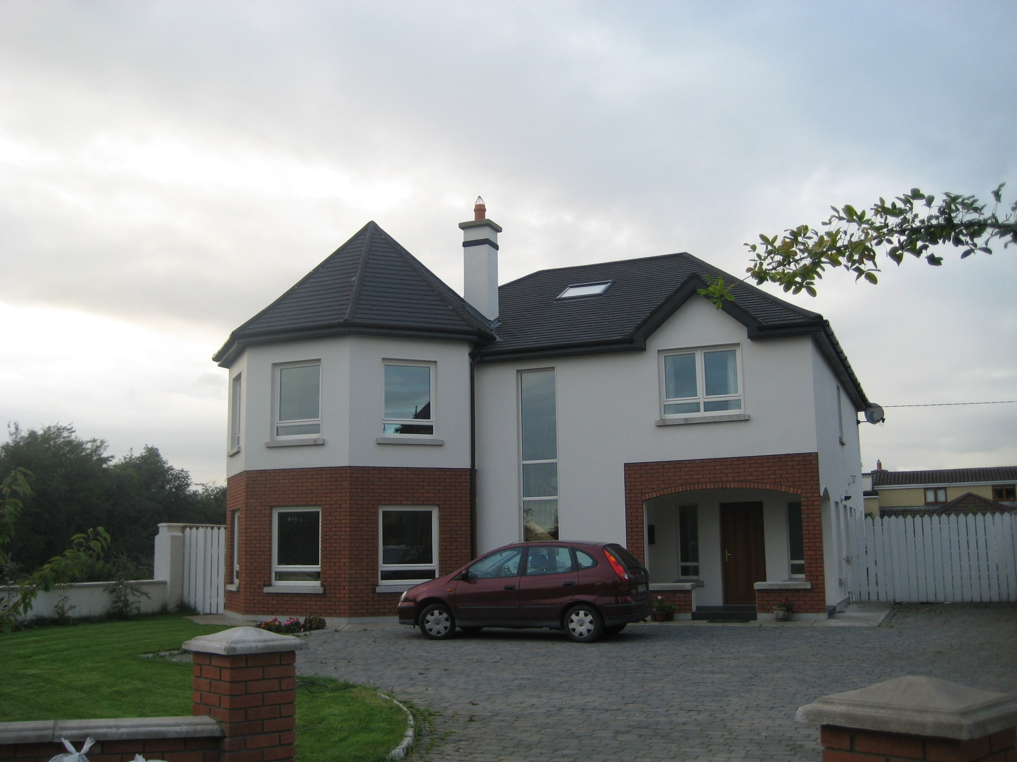 NEW BUILD IN CASTLETROY