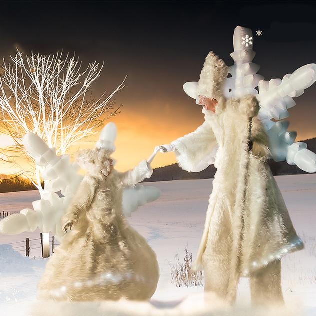 Schneemann und Schneeflocke