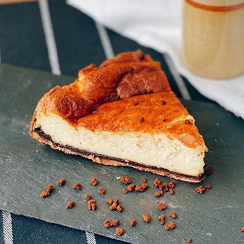 Tarta de queso con base de chocolate y mantequilla de cacahuete