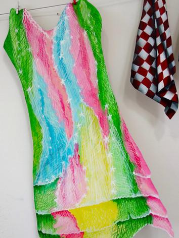 My walking dress 60x40 cm