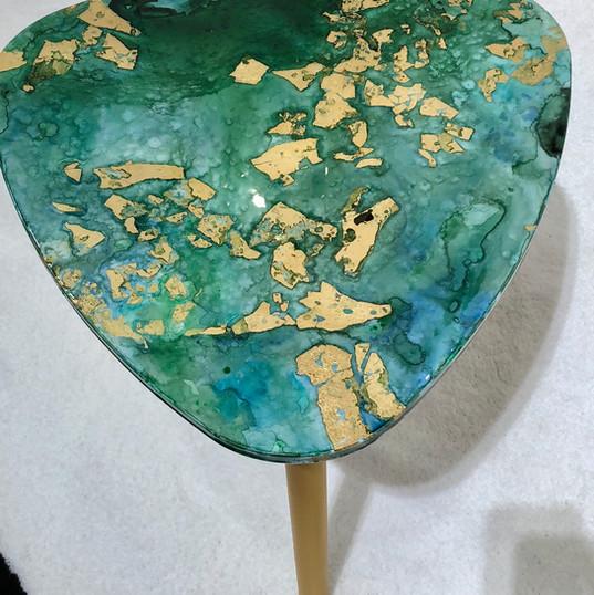 Pop art table mixed med