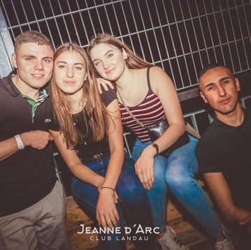 Club_Jeanne_Darc_Landau_RaiseYourCup149.