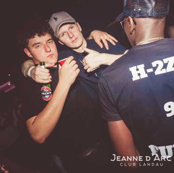 Club_Jeanne_Darc_Landau_RaiseYourCup132.