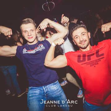 Club_Jeanne_Darc_Landau_RaiseYourCup142.