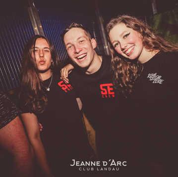 Club_Jeanne_Darc_Landau_RaiseYourCup115.