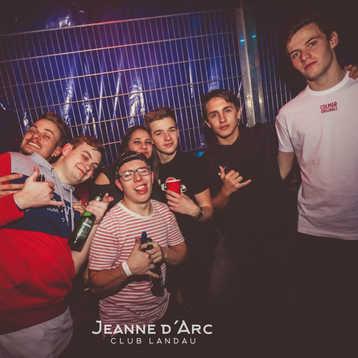 Club_Jeanne_Darc_Landau_RaiseYourCup114.