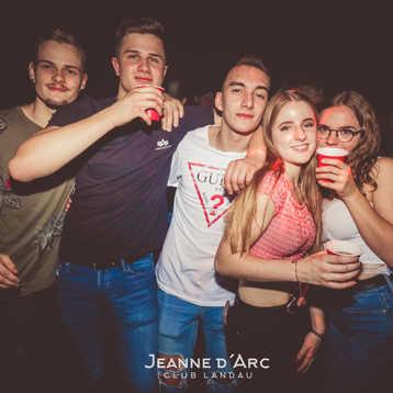 Club_Jeanne_Darc_Landau_RaiseYourCup131.