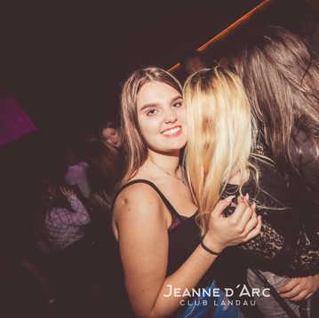 Club_Jeanne_Darc_Landau_RaiseYourCup120.
