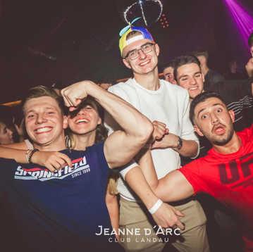 Club_Jeanne_Darc_Landau_RaiseYourCup141.