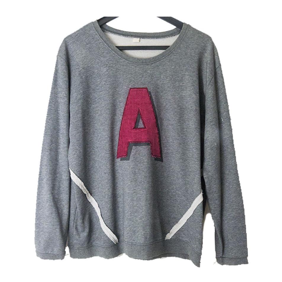 9 | Korean Graphic Sweater