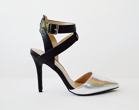 Breckelle Ivana Silver and Black Pointy Toe Pumps