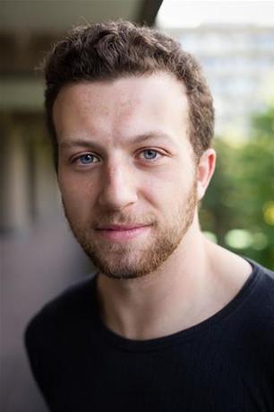UK Action Star Aaron Deakins