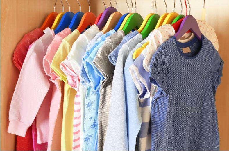 como organizar o guarda roupa infantil