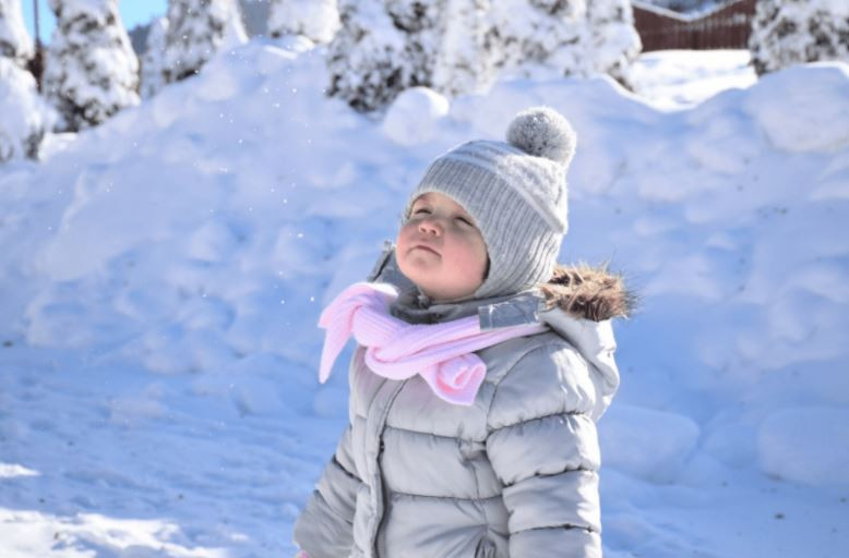 como manter seu bebê quentinho no inverno