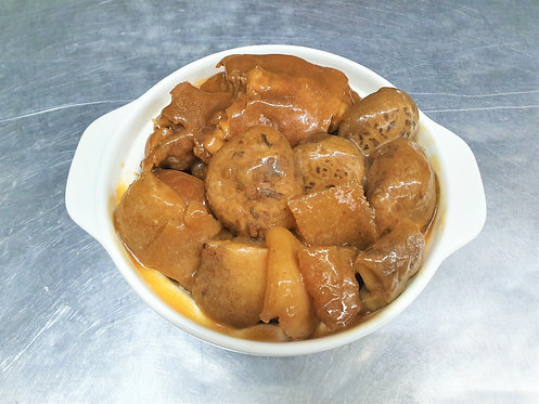 Stewed Pork Trotter with Sea Cucumber 海参冬菇焖猪脚