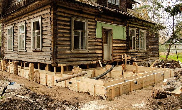 Замена-фундамента-старого-деревянного-до