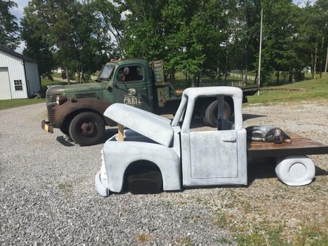 Life-sized Rusty Truck
