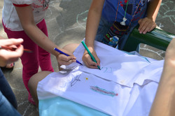 Белый халат с детскими рисунками