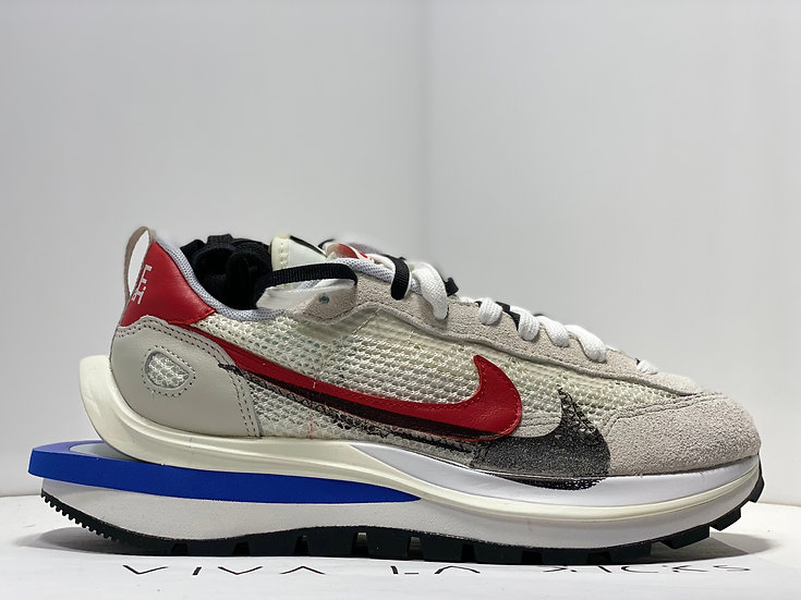 Sacai X Nike Vaporwaffle Sport Fuchsia Game Royal