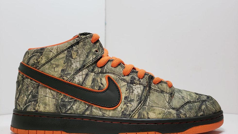 Nike SB Dunks Mid Real Tree Camo