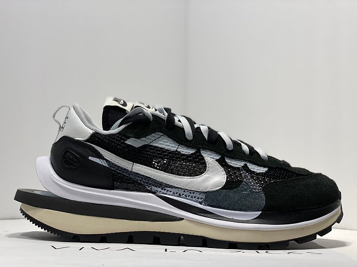 Sacai X Nike Vaporwaffle Black