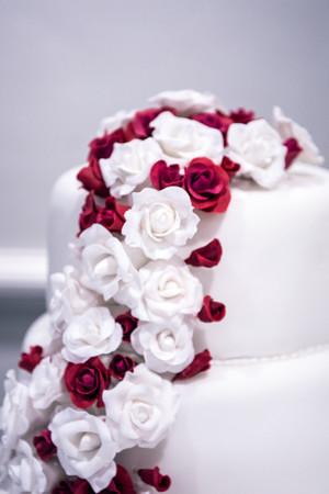 Wedding Photographer Birmingham, the wedding cake at Westmead hotel Redditch