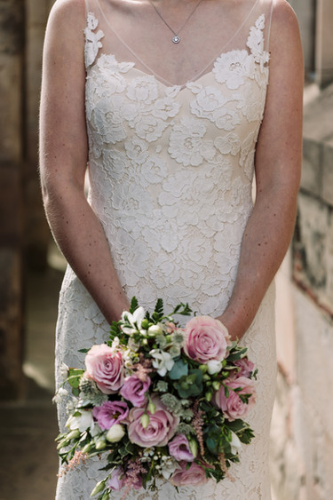 wedding photography birmingham uk, the bride & her bouquet at the lord leycester hospital Warwick wedding