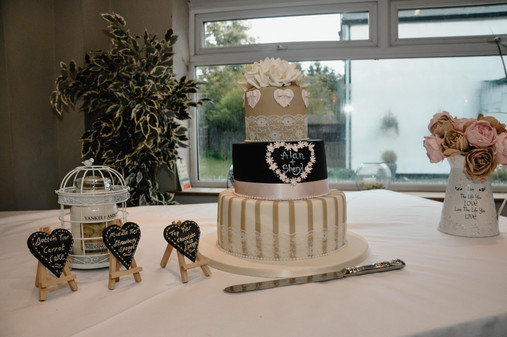 The Limes Wedding Photographer Solihull, Wedding Photographer Birmingham, wedding cake & other bits for the wedding table