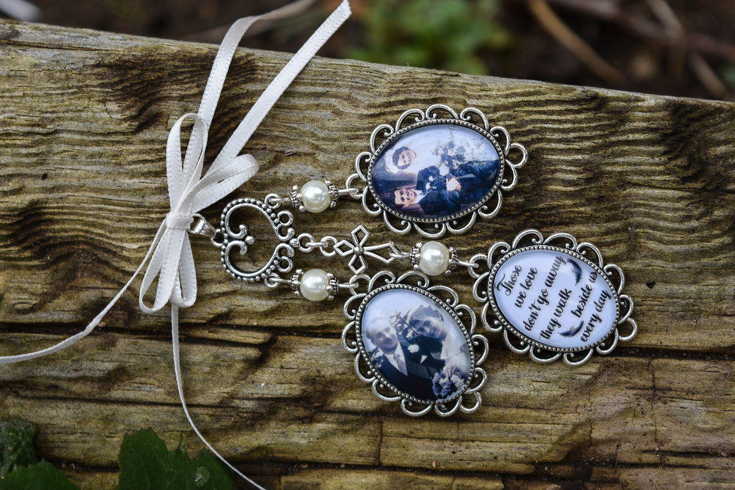 Solihull wedding photographer, a close up of a memorial charm for grandparents @woottonpark warwickshire