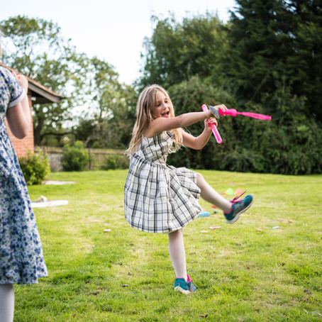 Keeping kids entertained at weddings (some fun ideas)