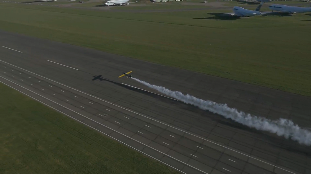 Air Displays with Ultimate Aerobatics