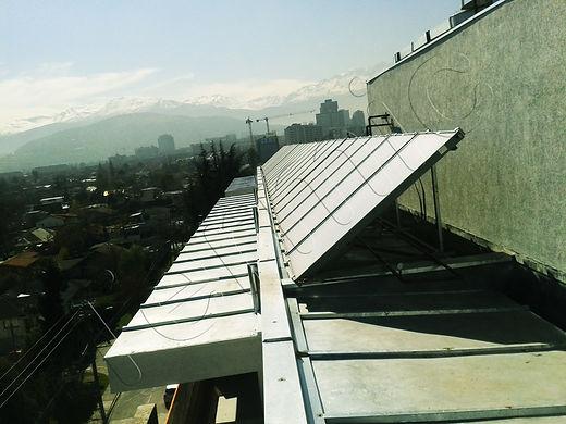 Central térmica con paneles solares Panel solar termosifon energia solar agua caliente colector solar termica