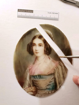 Restaurierung-Elfenbein-Miniatur2-web.jp