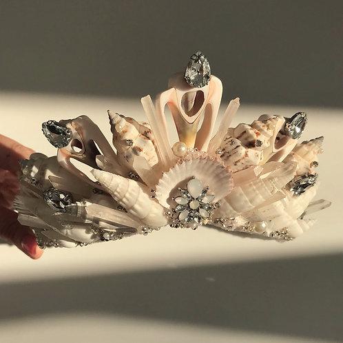 Blanche Ivory Pearl Silver Diamond Clear Quartz Sea Shell Mermaid Crown Hair Ban