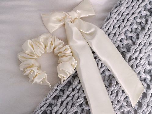 🎀 Ivory Cream Silky Satin Oversized Bow and Scrunchie Crown Combo