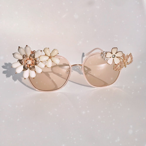 Old Fashioned 🍸 Jewelled Sunglasses Gold Crystal Flowers