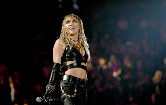 Watch Miley Cyrus' stunning cover of Pearl Jam's 'Just Breathe'