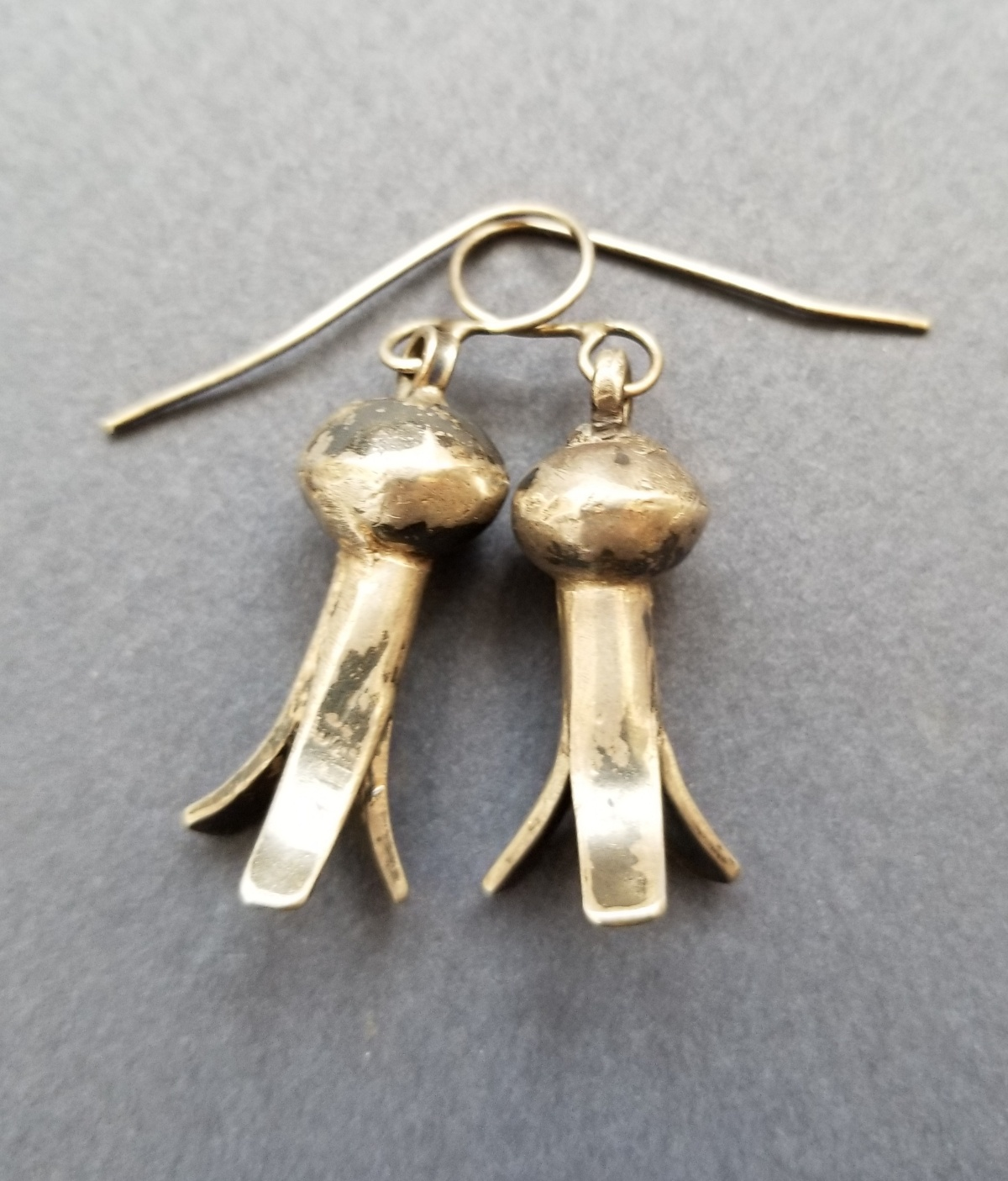 #squashblossomearrings #Navajosilver