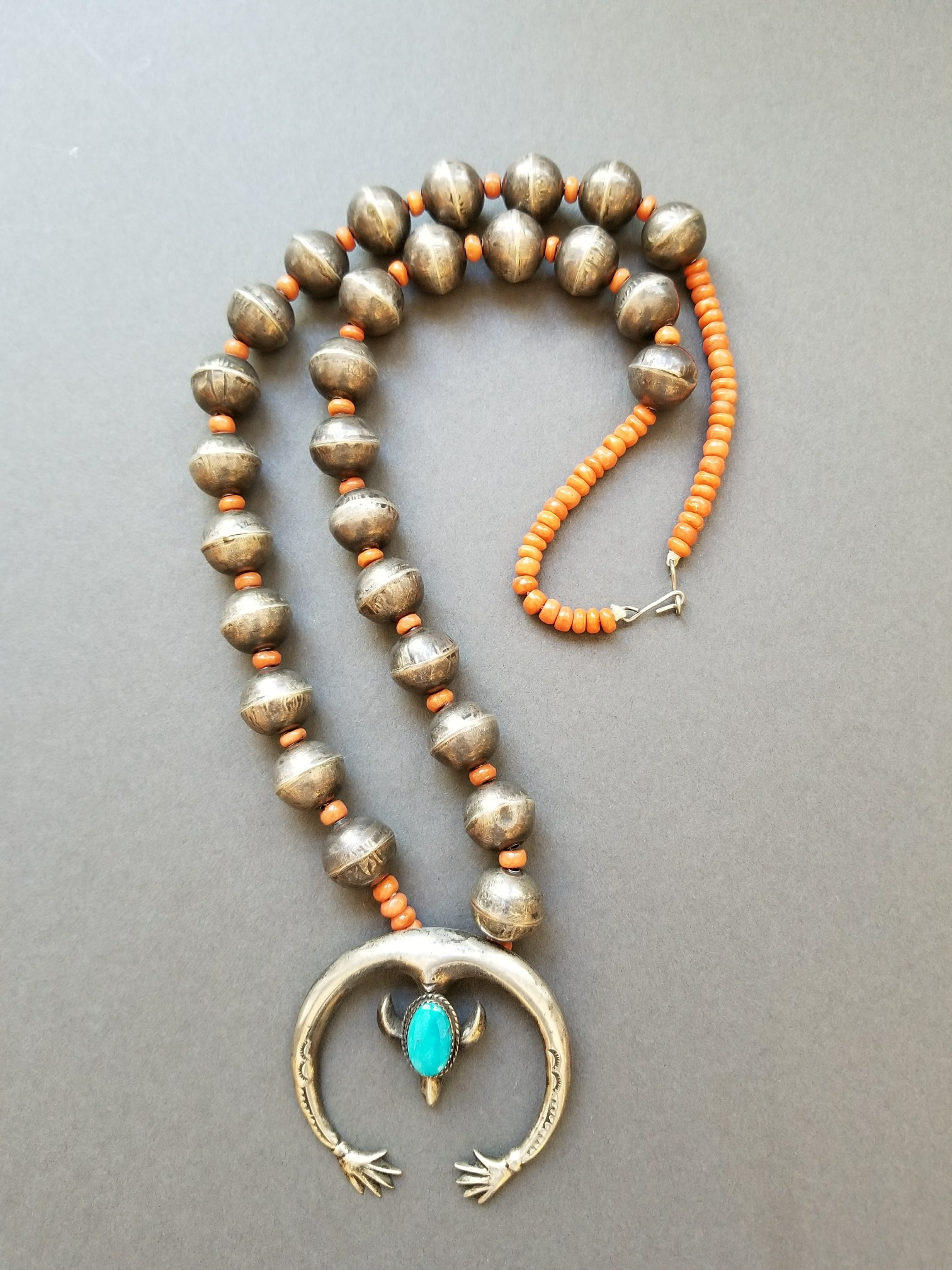 Naja necklace with handmade beads