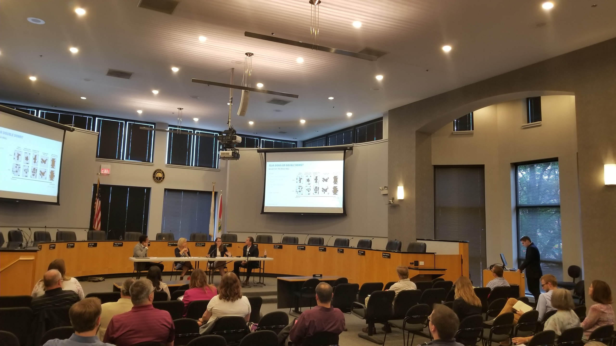 E-Commerce & Vibrant Communities program 6/21/18 at the City of Elmhurst (photo by Drew Awsumb, AICP)