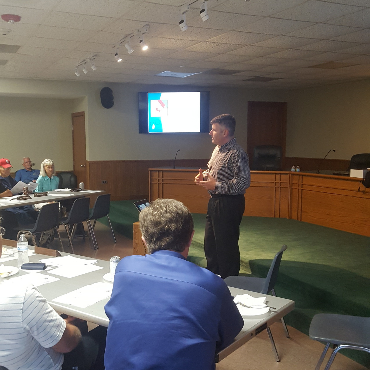Dan Underleider, AICP the Community Development Director from the Village of Clarendon Hills presents to the Village of Beach Park Plan Commission / Zoning Board, Village Trustees, and staff on August 22, 2017. (photo by Michael Blue, FAICP, APA-IL Planning Officials Development Officer)