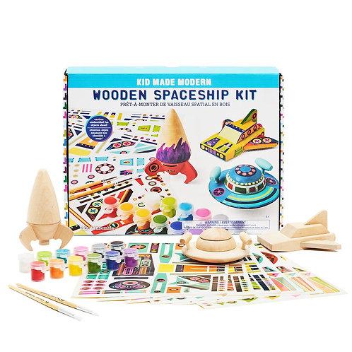Ensemble «3 Vaisseaux spatiaux en bois à peinturer» de «Kid Made Modern