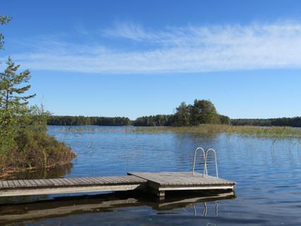 Jaalan seudulla on useita puhdasvetisiä järviä.