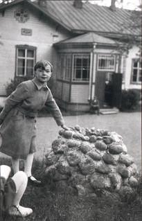 Anita Gestrin ja kartano 1930-luvulla.